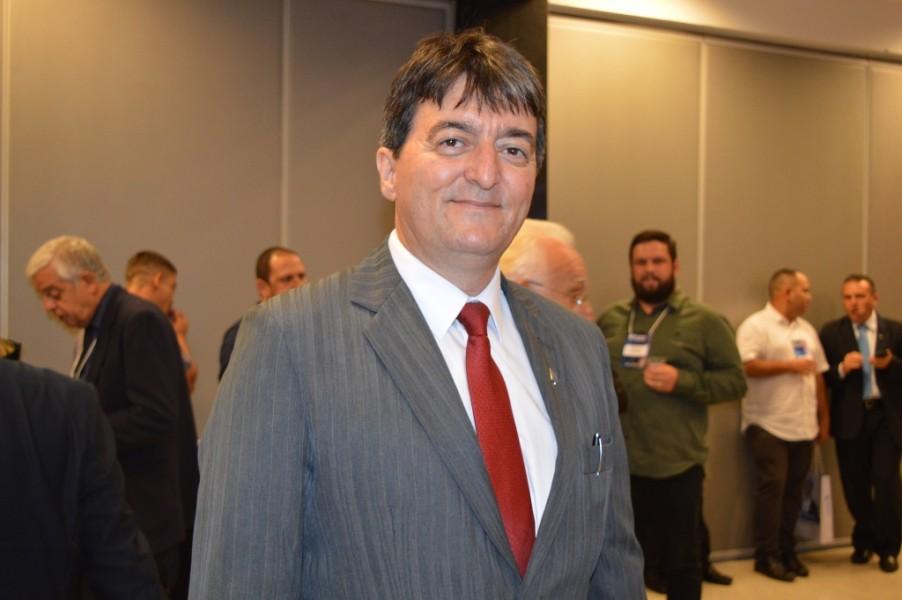 [noticia: conselheiro-goiano-e-eleito-coordenador-da-cceest] Coordenador da CEEST do Crea-GO, o Eng. Eletric. e Seg. Trab. Milton Ribeiro foi eleito coordenador da CCEEST em 2020 - MILTON_RIBEIRO_COORDENADOR_CCEEST.JPG