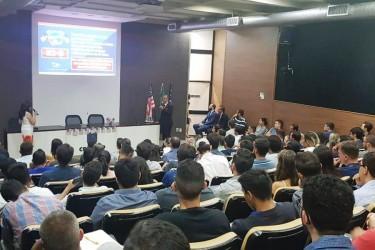 [noticia: mais-de-70-mil-profissionais-e-estudantes-participaram-de-eventos-do-crea-go] Em setembro de 2019, mais de 130 profissionais assistiram à palestra sobre migração de engenheiros para os EUA, no Crea-GO - EVENTOS_01.jpeg