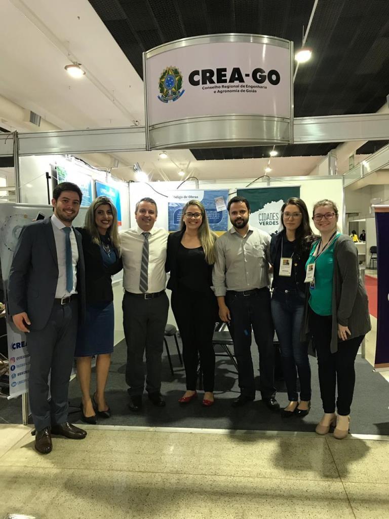 [noticia: crea-go-participa-da-expo-municipios-2019] O vereador Gustavo Cruvinel visita estande do Crea - 01.jpeg