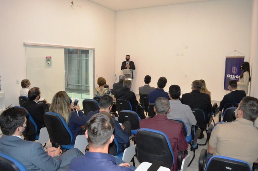 [noticia: luziania-ganha-nova-sede-da-casa-da-engenharia] O Eng. Civ. Sérgio de Oliveira destacou a vontade de melhorar a integração do Crea com a sociedade de Luziânia - INAUGURAÇÃO DA CASA DA ENGENHARIA DE LUZIÂNIA 04.JPG