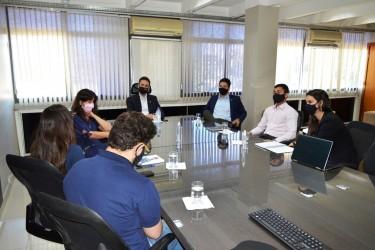 [noticia: lamartine-moreira-recebe-representantes-do-crea-go-jovem] Durante reunião, a equipe do Conselho goiano propôs inovações para o Crea Jovem - REUNIÃO CREA-GO JOVEM 01.JPG