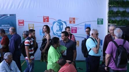 [noticia: mutua-promove-ods-em-seu-estande-na-soea] Painel dos ODS no estande da Mútua na 76ª Soea - 01.jpg
