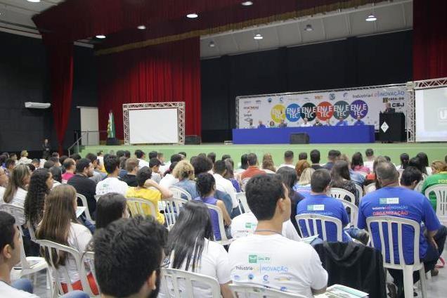 [noticia: francisco-almeida-participa-de-abertura-do-enae-tec] Abertura oficial do ENAE TEC contou com a participação de cerca de 600 pessoas (Foto: UniRV) - ENAE-TEC_01.jpg