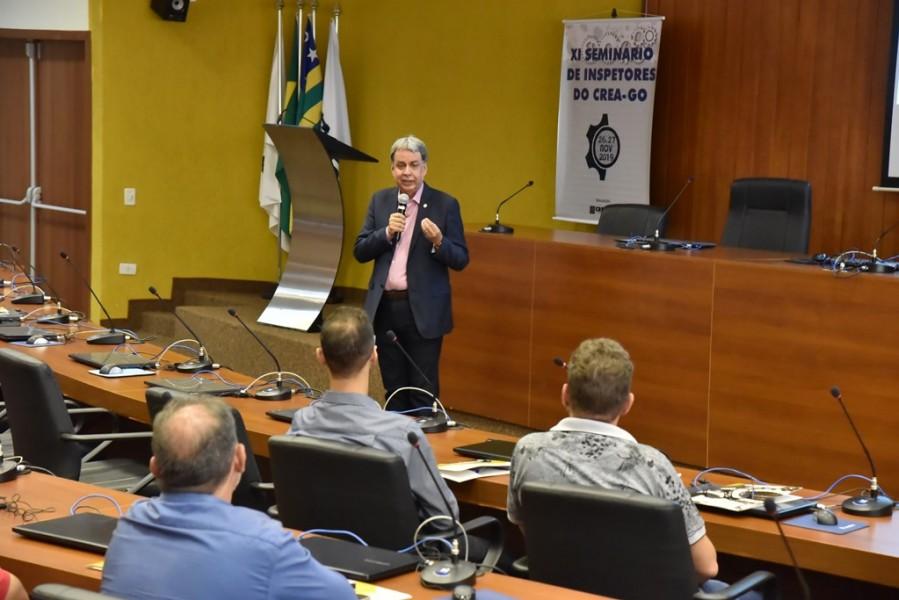 [noticia: crea-promove-o-xi-seminario-de-inspetores] Francisco Almeida fala brevemente sobre o trabalho realizado pelo Conselho em sua gestão - SEMINÁRIO_2.jpg